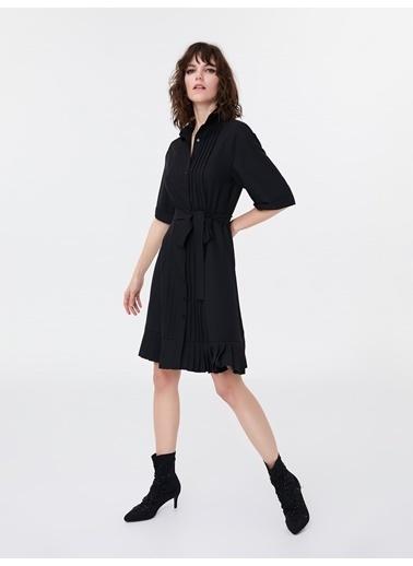 Ipekyol Nervür Şeritli Kuşaklı Gömlek Elbise Siyah